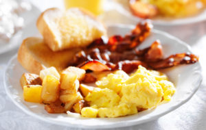 Breakfast of Eggs, toast and homefries